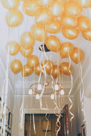 New Year Decorations Pinterest by Different Party Decor Idea Cover The Ceiling With Balloons And
