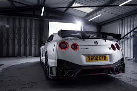 nissan gtr used uk nissan gt r nismo meets its first uk customer autoevolution