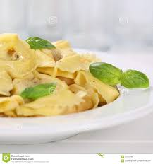 basilic cuisine repas italien de nouilles de pâtes de tortellini de cuisine avec
