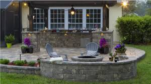 stonegate country manor from keystone retaining wall systems