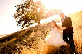 what it means to elope instead of having a formal wedding inside