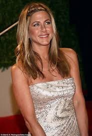 hair styles for 44 year ol ladies jennifer aniston reveals she wants sexy bed hair on wedding day