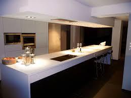 cuisine noir mat cuisine bois exemple de plan de travail pour cuisine