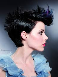 feathered sides on a short haircut short haircut with sleek sides and the fringe curved upward