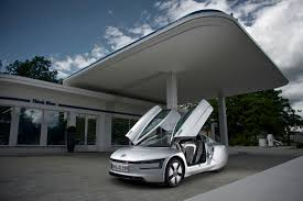 volkswagen xl1 quick take volkswagen xl1 meeting the hyper miler the fast