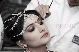 Top Makeup Schools Get The Training Of Hair Stylist Courses With Orane Hair And