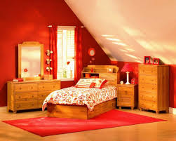 red accent wall for small bedroom decorating ideas with maple