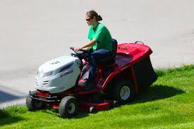 best riding lawn mowers u0026 tractor reviews u0026 guide best lawn