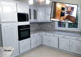 repeindre meuble de cuisine en bois peinture meuble cuisine repeindre une cuisine en bois massif 17
