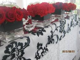 Black And Red Vase Main Table Square Vases With Red Roses Square Vases With Red