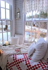 35 ways to create a christmas wonderland in your bedroom christmas bedroom decorating ideas 12 1 kindesign