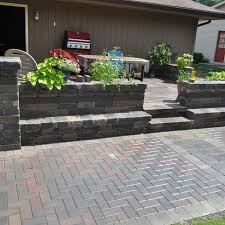Types Of Pavers For Patio 2018 Brick Paver Costs Price To Install Brick Pavers Patios