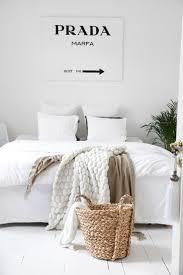 Black White Themed Bedroom Ideas Une Chambre Blanche Pour Les Fashion Addict White Style Bedroom