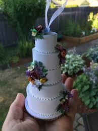wedding cake ornament how to turn your wedding cake into an ornament woman getting married