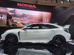 honda civic type r 2017 2017 honda civic type r side at the 2017 giias live indian autos