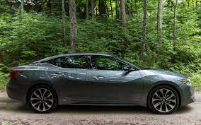 nissan maxima on 22 inch rims 2016 nissan maxima the black stripes on the c pillar give the