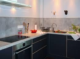comment poser un plan de travail dans une cuisine un plan de travail et une crédence en grès cérame inside comment