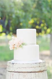 simple wedding cake 7 sweet simple wedding cakes weekly wedding inspiration
