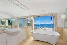 Tropical Bathroom Decor by 42 Amazing Tropical Bathroom Dcor Ideas Digsdigs Hawaiian Themed