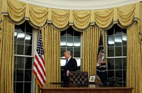 gold curtains in the oval office gold drapes in trump s oval office raise historical questions