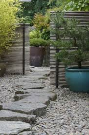 idee de jardin moderne les 25 meilleures idées de la catégorie portillon de jardin sur
