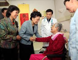 tabliers de cuisine personnalis駸 read china china embraces seniors day