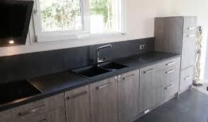 cuisine gris foncé plan de travail cuisine gris anthracite nature troyes lavau 495 290