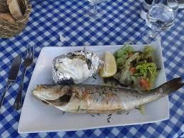 plat cuisiné au four bar rôti au four plat d un menu picture of le cabanon marin