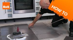 how to tile a floor part 2 laying the tiles youtube