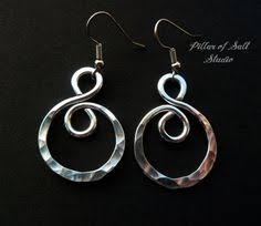 aluminum earrings handmade aluminum wire earrings by dreswireddesigns on etsy