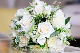 fleurs blanches mariage relooking pour mariage relooking parisien