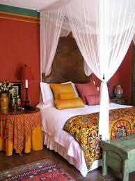 medium size bed room design in red shoise com
