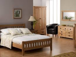 honey oak bedroom furniture dark brown cherry wood full size bed