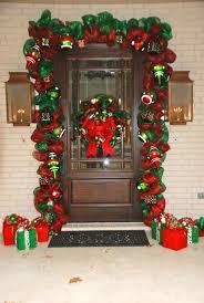 73 Best Deco Garland Images by Decora La Puerta De Tu Casa Con Guirnalda De Malla Christmas