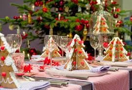 Christmas Dinner Centerpieces - appealing and simple everyday dining table decor modern interior