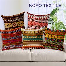 canap voiture vintage ethnique décoration coussins géométriques africains élégant