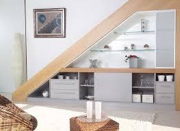 cuisine sous escalier étourdissant aménager un placard sous escalier et cuisine sous
