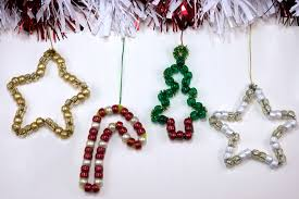 diy christmas decorations made from pony beads and pipe cleaners