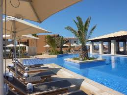 designer liegen designerliegen am pool hotel the romanos costa navarino in