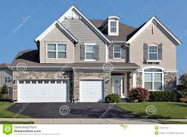 28 3 car garage homes houses on sale for 500 000 in the us 3 car garage homes home with three car stone garage stock photography image