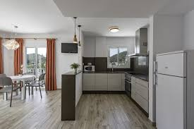Cuisine 8m2 by Apartament Oasis Sa Tanca Cala Llonga Spain Booking Com