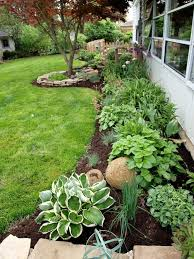 Landscaping Ideas For Small Front Yards The 25 Best Side Yard Landscaping Ideas On Pinterest Hosta