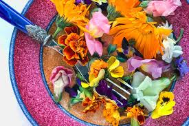 Salad With Edible Flowers - 25 ways to put edible flowers on the table the view from great