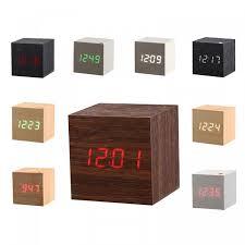 horloge de bureau design rne en bois led horloge style carré bureau horloge led numérique