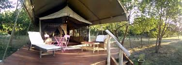 chambre d hote insolite hebergement insolite à louer tente safari dans la vallée de la