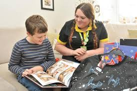 asda colleague emma sanders came to the aid of 10 year old oscar