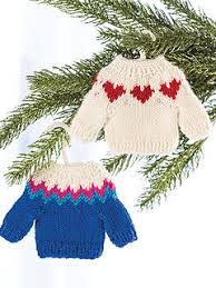 ravelry deck the halls 20 knitted christmas ornaments patterns