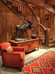 Moose Themed Home Decor by 10 Cozy Cabin Chic Spaces We U0027re Swooning Over Hgtv U0027s Decorating
