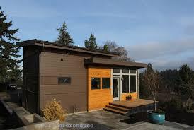 a grandmother u0027s modern backyard cottage microhouse small house