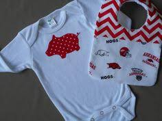 gifts for razorback fans arkansas razorbacks baby gift set hogs woo pig sooie or